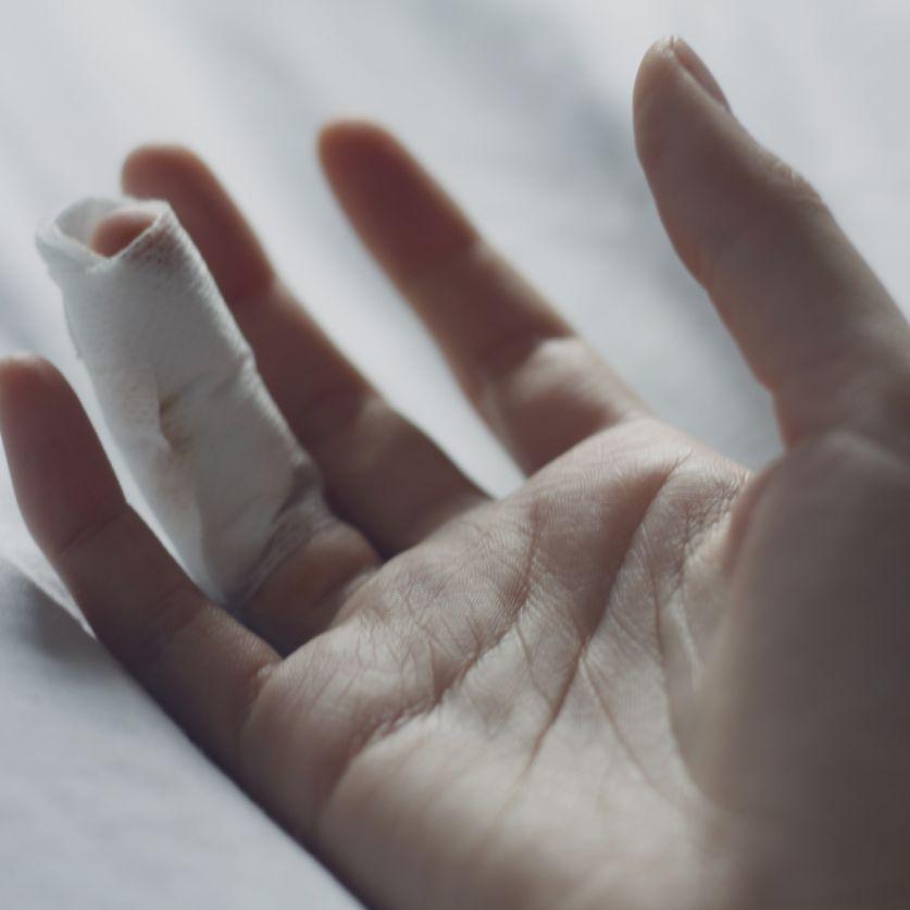 Super Glue For Minor Cuts And Scrapes