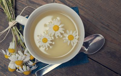 Chamomile Benefits Side Effects And Preparations