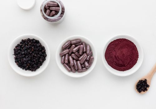 Bilberries, capsules, and powder