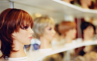 wig shop, what to know about insurance company before you shop