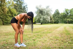 Jogging teen suffering from sudden knee pain