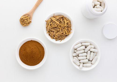 Muira Puama powder, dried bark, and capsules