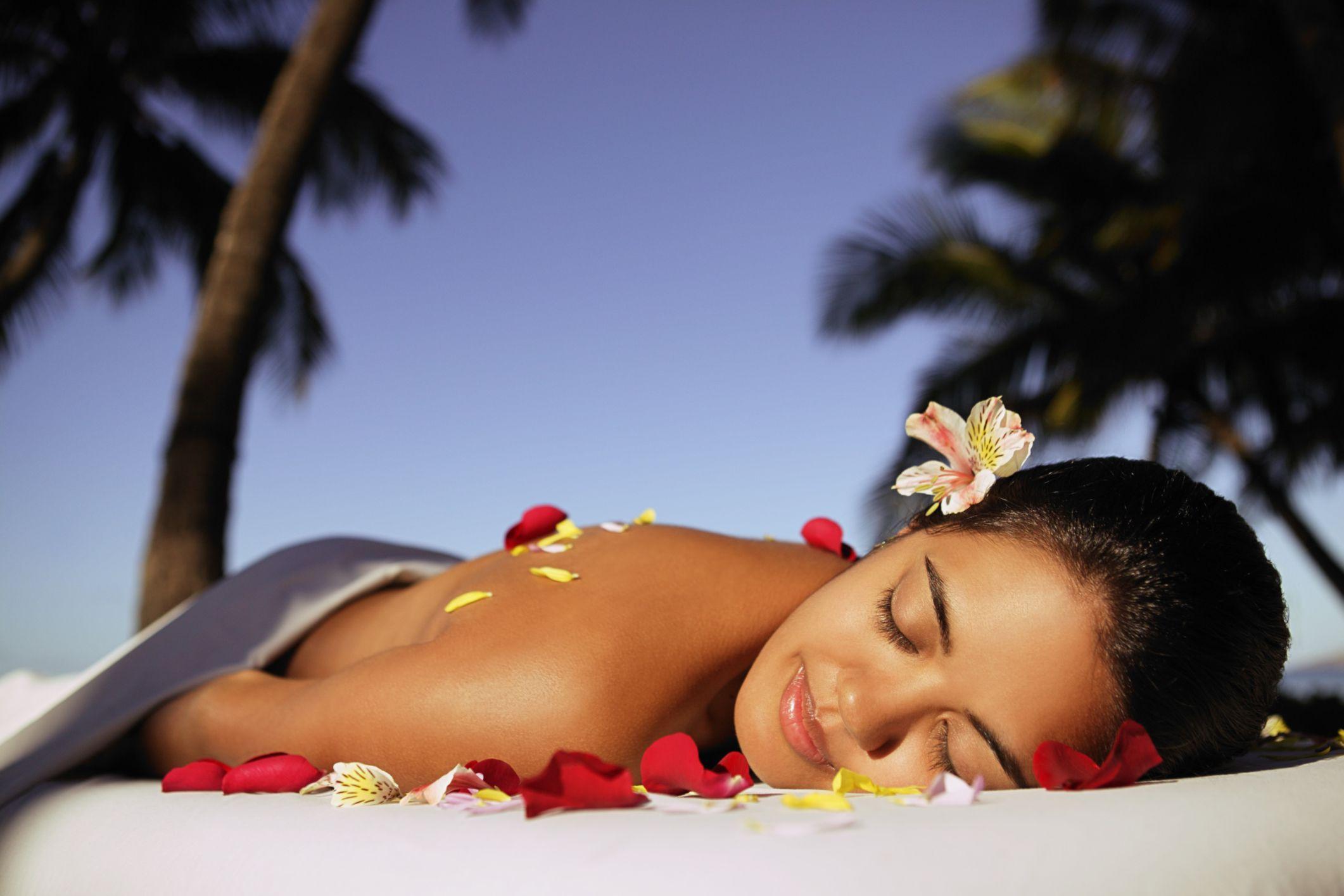 The Benefits And Uses Of A Lomi Lomi Hawaiian Massage