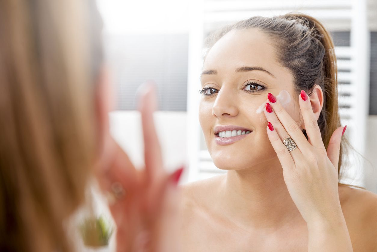 does using toothpaste on pimples work?