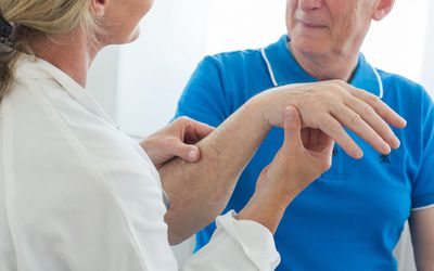 Shingles: Signs, Symptoms, and Complications