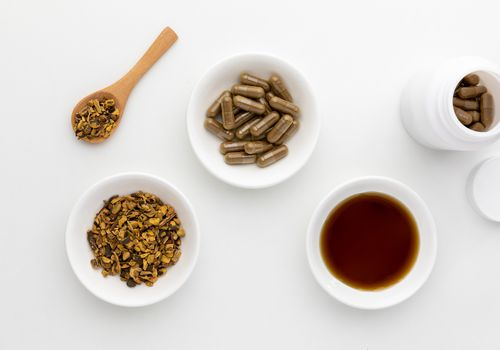 Yellow dock capsules, dried root, and extract