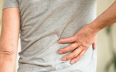 4 Serious Causes of Referred Back Pain