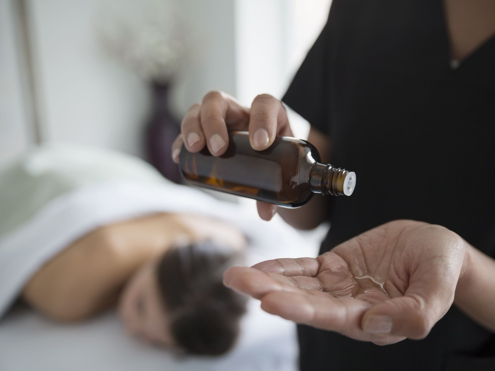 5 Best Massage Oils According to Massage Therapists