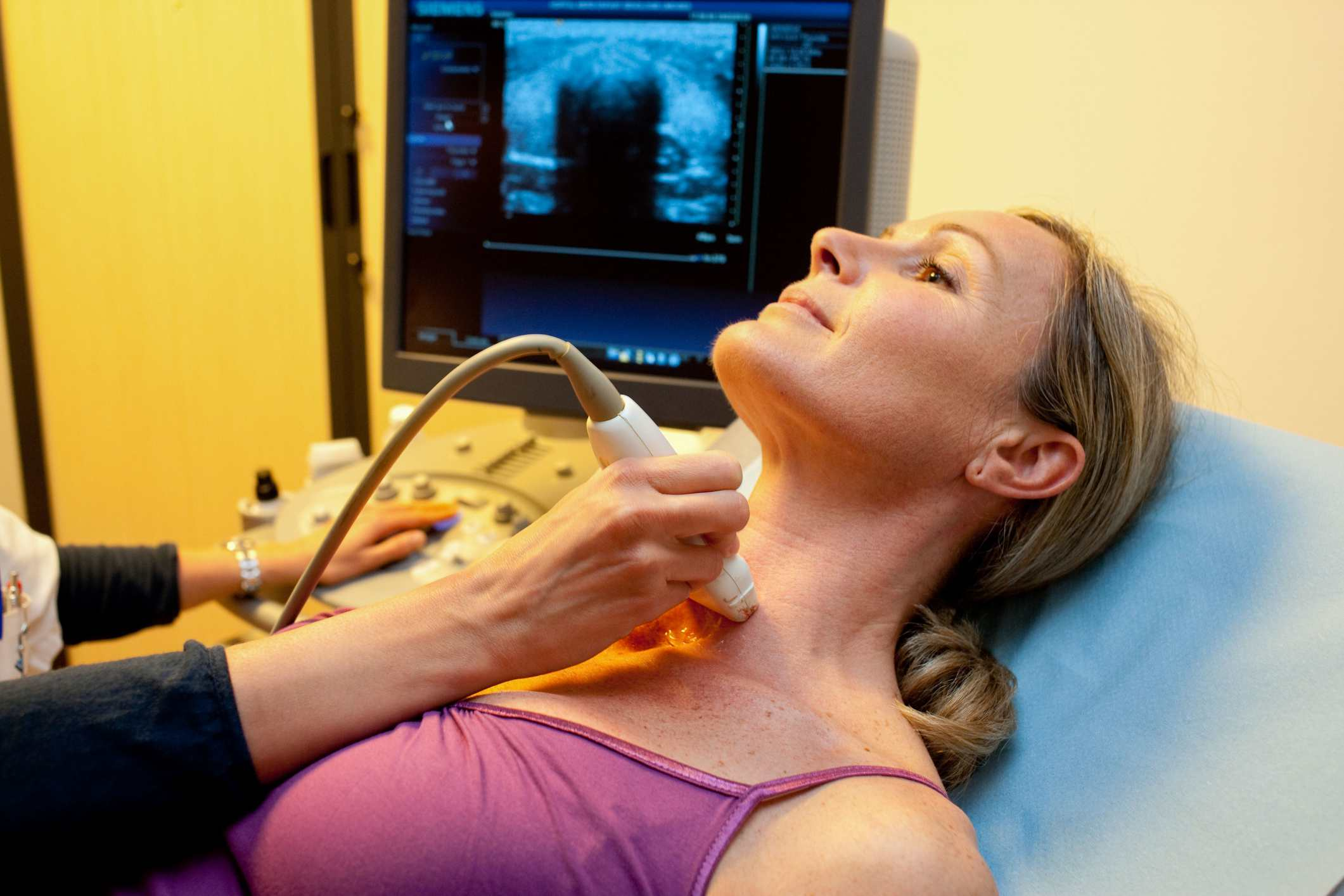 Hypothyroidism dating from birth causes
