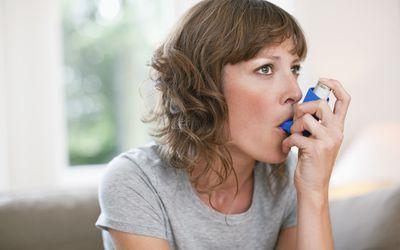 woman with inhaler