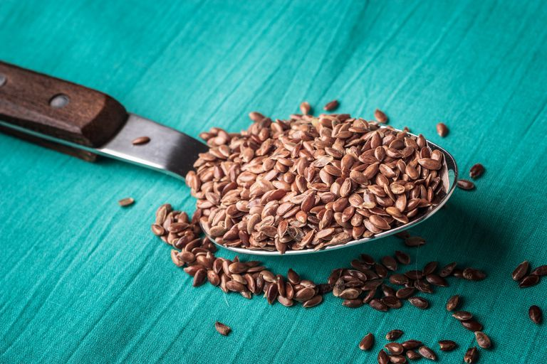 Flaxseed on a spoon has anti-cancer properties