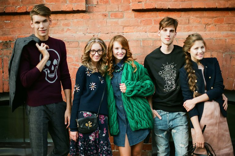 CC license at https://commons.wikimedia.org/wiki/File:Teenagers_in_Moscow.jpg