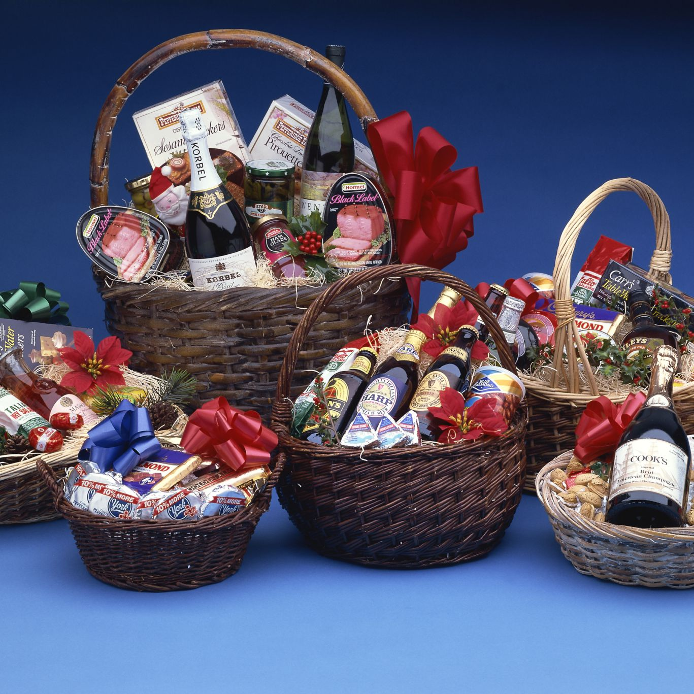 decorative baskets dried flowers small baskets country basket.htm diabetes friendly food and beverage gift basket ideas  food and beverage gift basket ideas