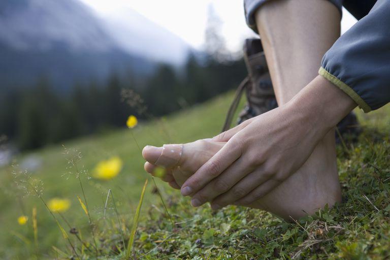 289307c0f02 Arthritis Symptoms of the Big Toe (Hallux Rigidus)