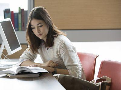 College student using elaborative rehearsal