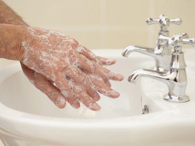 Man washing hands
