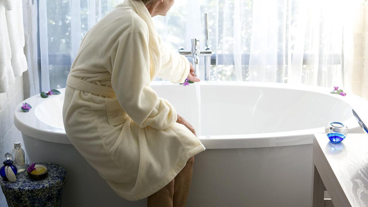 How Long After Surgery Before You Can Take A Bath