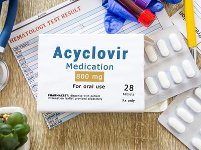 meningoencephalitis treatment with acyclovir