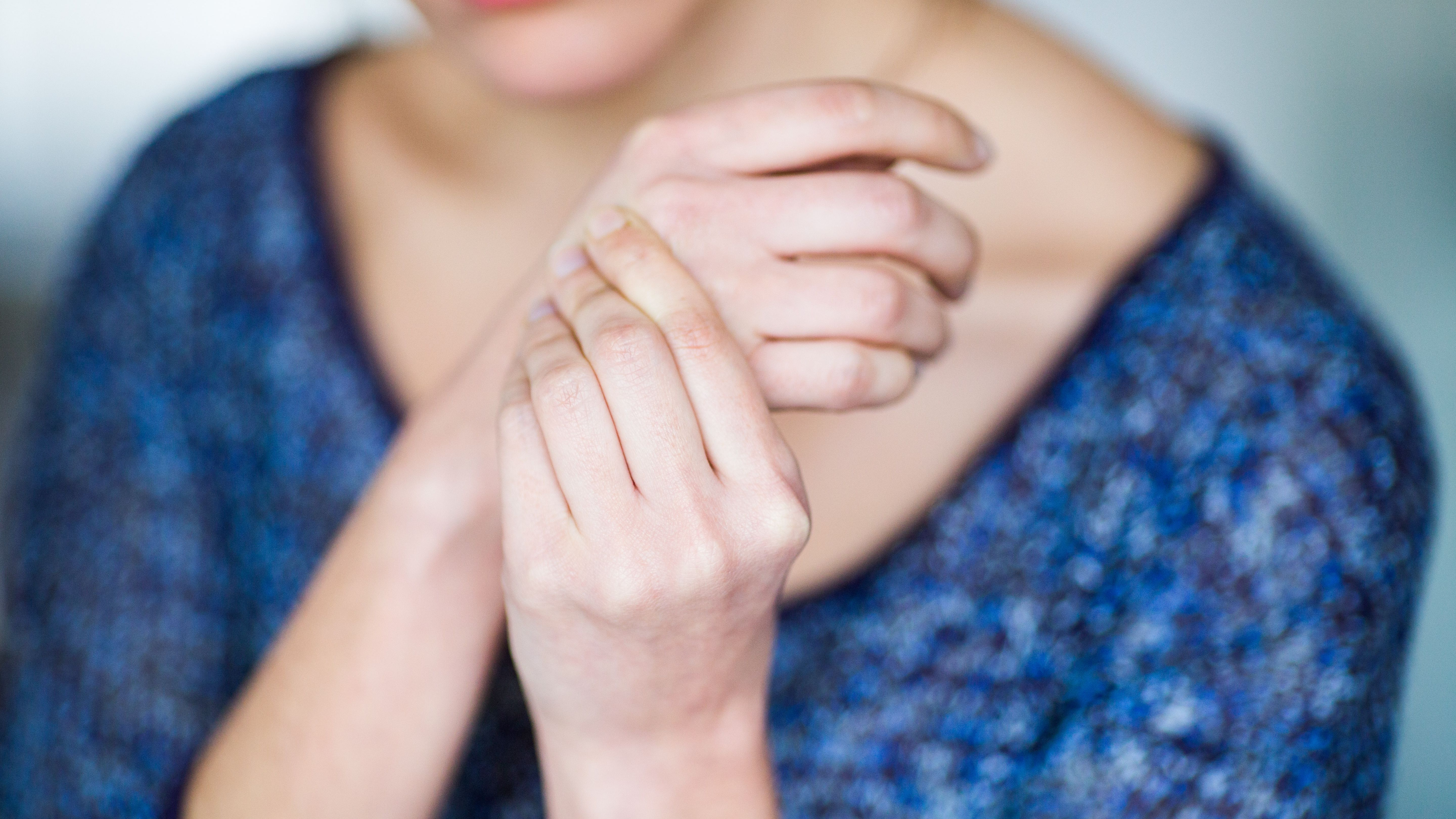 Carpal Tunnel Syndrome Signs, Symptoms & Complications