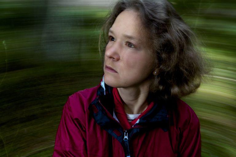 woman experiencing vertigo
