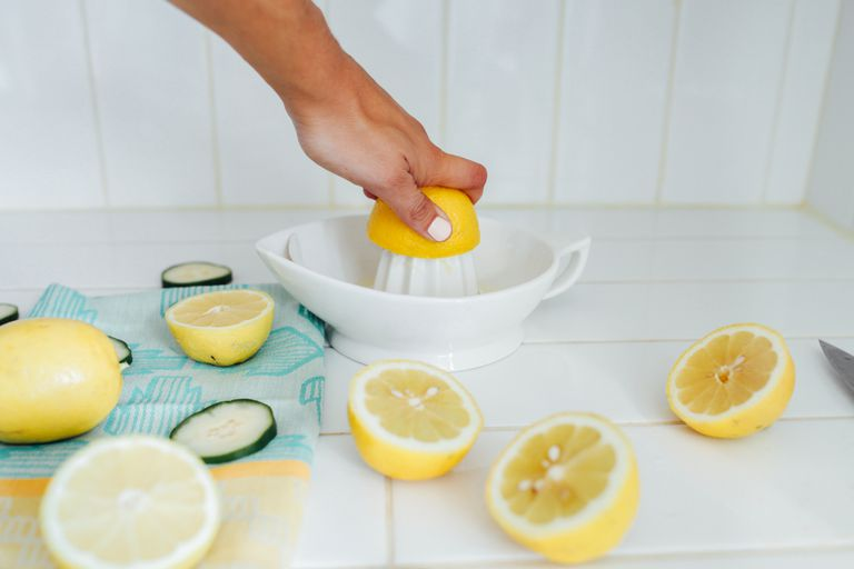 Squeezing lemon juice