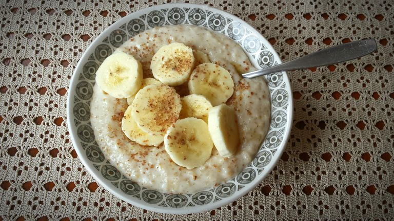 Banana porridge with cinnamon.