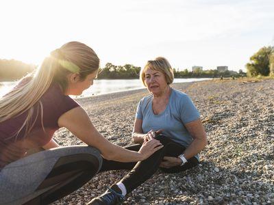 Older woman with knee injury