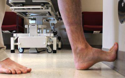 Photo of the plantar fascia foot stretch.