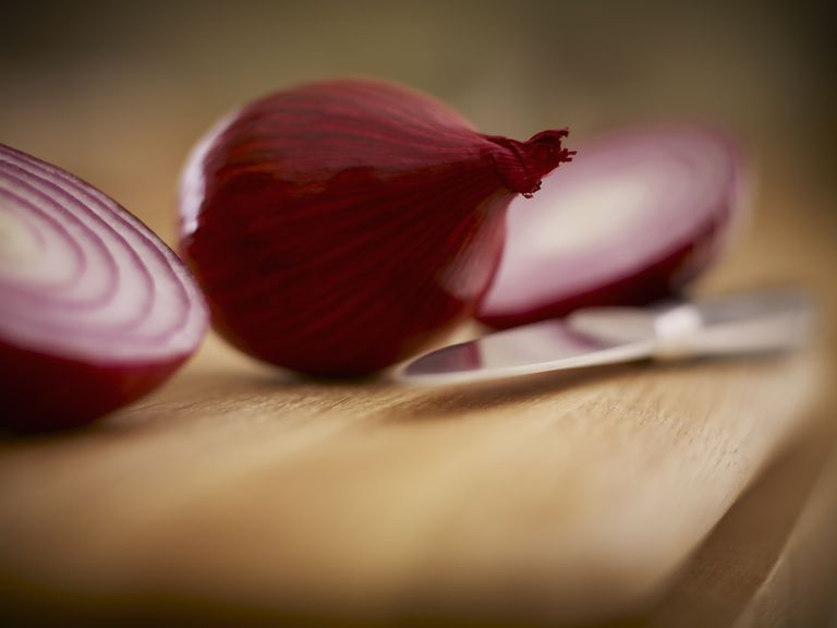 Will an Onion in the Room Stop a Cold or the Flu?