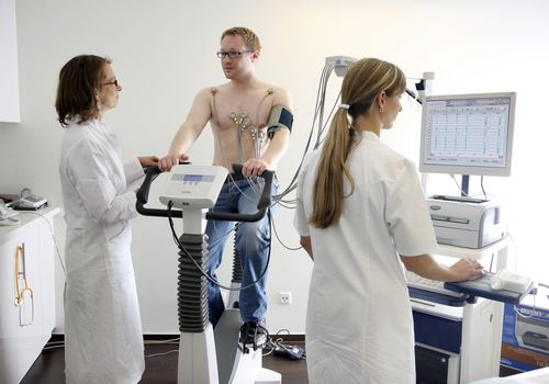 Man getting a cardiac stress test