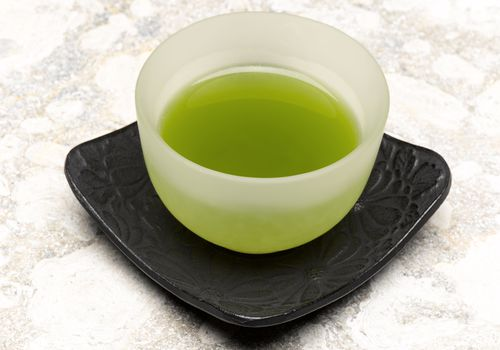 Green tea offers many healthful benefits, but drinking too much green tea can be harmful.