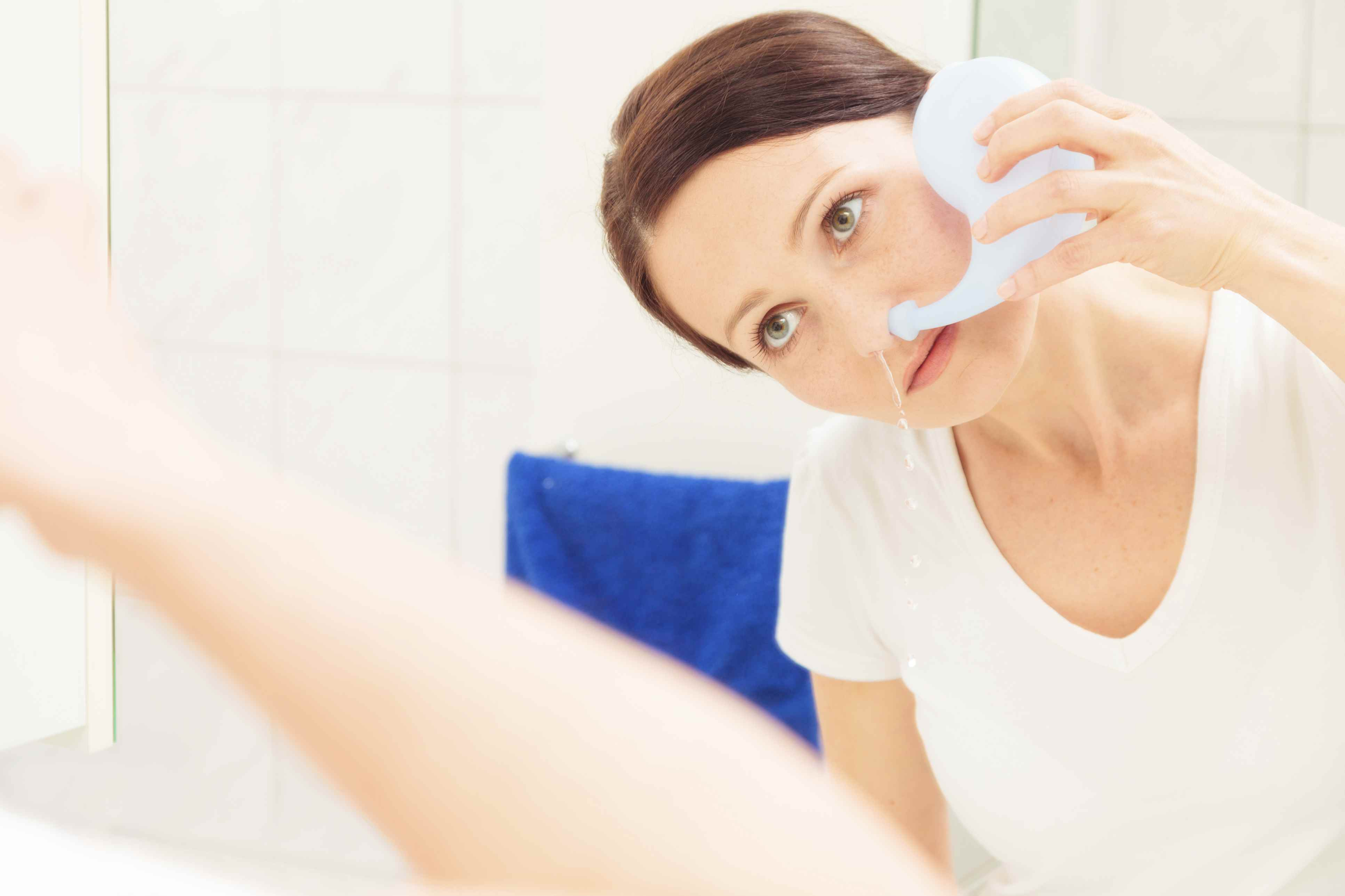 How to Rinse Your Sinuses