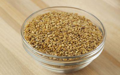 Bowl of flaxseed