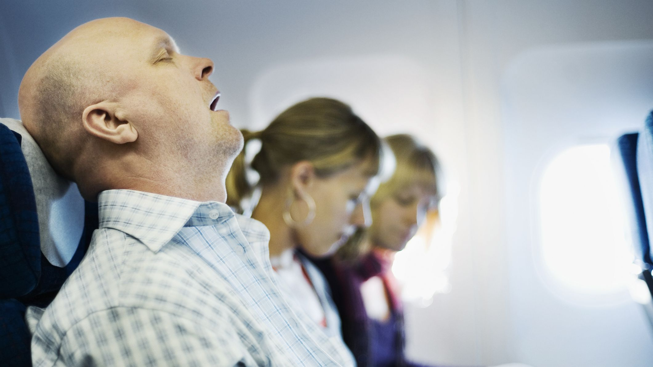 Treatments to Prevent Snoring on an Airplane