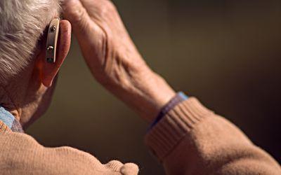 Man wearing a hearing aid