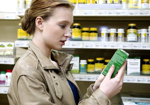 woman buying supplements