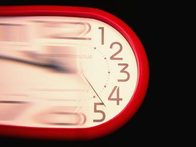 A blurry clock.