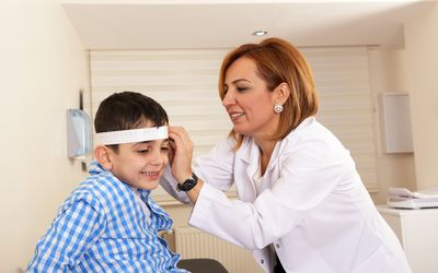 Pediatric Neurologist treats young patient