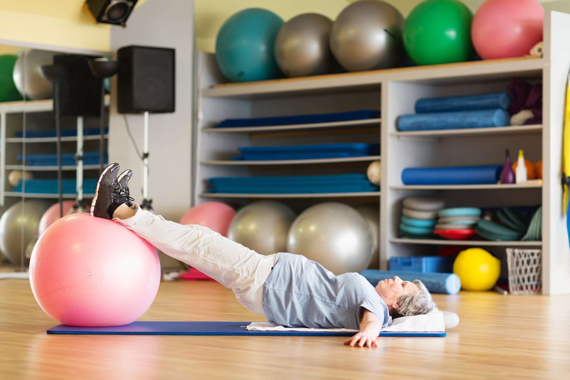 Pelvic Floor Contractions for Back Support