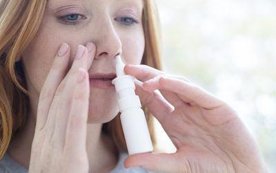 Using nasal spray for nasal polyps