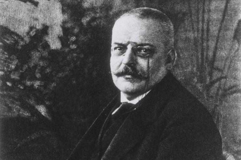 Portrait of Alois Alzheimer