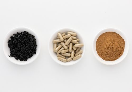 Brown seaweed dried herb, capsules, and powder