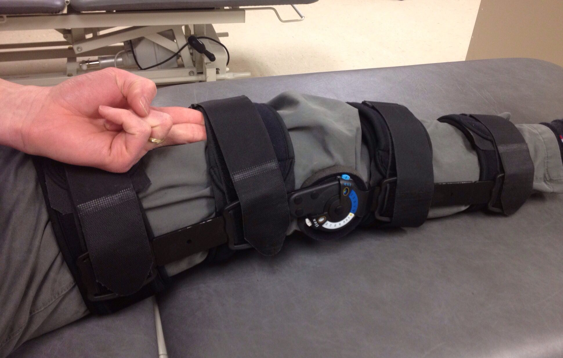 How To Wear A Knee Brace So It Fits Correctly