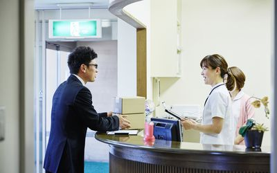 5 Important Front Desk Functions