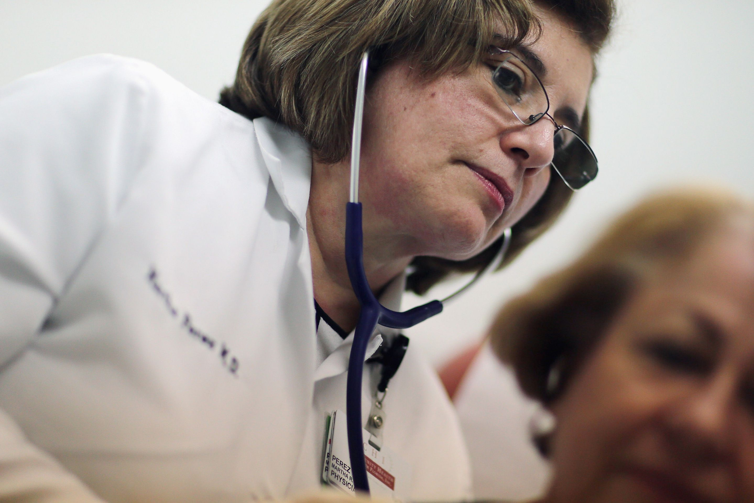 the definition of a nephrologist and what they do