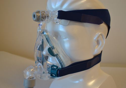 Bulky CPAP masks can leave red marks and lines on the face when used, but these can be avoided with simple steps