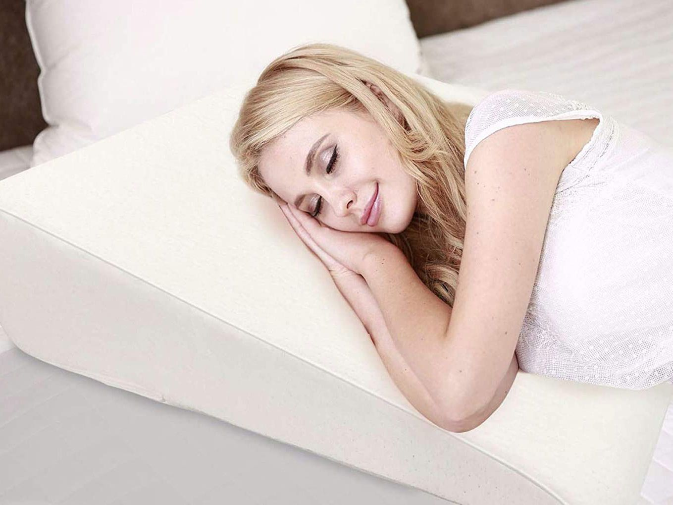 Image of: Sleep Wedge Pillow For Snoring Heartburn Acid Reflux