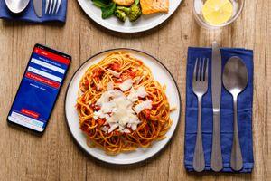 Restaurant dinner with allergy phone app