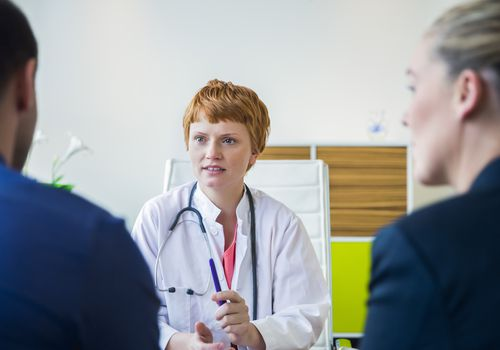 Doctor and patient in conversation