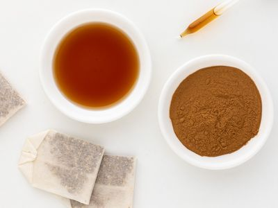 Slippery elm powder, tea bags, and tincture